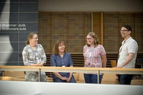 Kliinisen hoitotyön asiantuntijat Pia-Maria Tanttu, Soili Hautaniemi, Tarja Kurikka ja Sami Sundell sanovat, että erilaiset etenemismahdollisuudet lisäävät motivaatiota jäädä alalle.