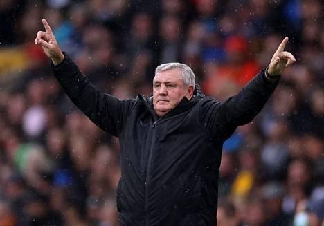 Steve Bruce on ainakin toistaiseksi Newcastlen manageri.