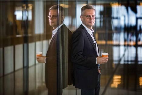 Jukka Moisio toimi aiemmin muun muassa take away -kuppien kansia valmistavan Huhtamäen toimitusjohtajana. Kuva on otettu 3.3.2017.