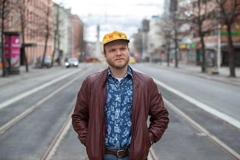 Aapo Laakso on kiinnostunut tieteestä ja politiikasta. Päätoimittajana hän aikoo kiinnittää erityishuomiota tieteeseen, sillä opiskelijoilla ei välttämättä ole kattavaa käsitystä siitä, mitä kaikkea Tampereen yliopistossa tutkitaan.