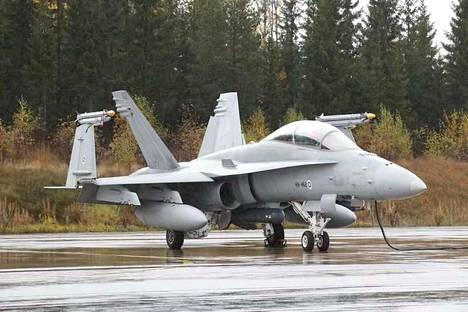 Puolustusvoimat etsii korvaavia hävittäjiä käytöstä poistuvien Hornetien tilalle.