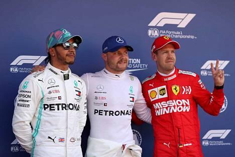 Lewis Hamilton (vas.) ja Valtteri Bottas ovat hallinneet formula ykkösten alkukautta. Sebastian Vettelin Ferrari-tallin pitää pystyä nostamaan tasoaan Kanadassa.