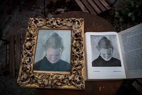 Puoli vuosisataa yleisöltä piilossa ollut Helene Schjerfbeckin (1862–1946) maalaus Lukeva tyttö löytyi tamperelaisesta kuolinpesästä.