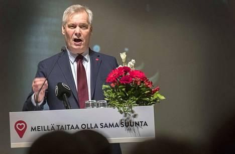 Sdp:n puheenjohtaja Antti Rinne puhui maaliskuussa puoluevaltuustonsa kokouksessa Helsingissä. Sairastelu ei vienyt Rinteeltä mahdollisuuksia pääministeriksi.
