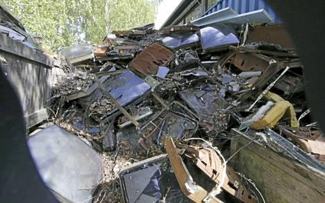 Televisioromuja jäi ainakin 100 tonnin edestä.