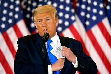 Yhdysvaltain istuva presidentti Donald Trump ei ennen sunnuntaita ole myöntänyt Joe Bidenin voittaneen vaaleja. Trump puhui kannattajilleen vaali-iltana 4. marraskuuta.