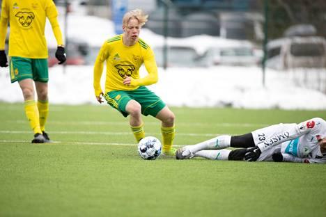 Leo Kyllönen teki Ilveksen ainoan osuman viime lauantaina IFK Mariehamnia vastaan. Peli päättyi lukemiin 1–2.