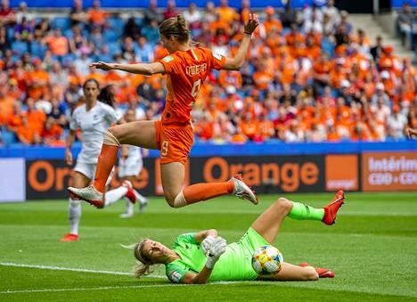 Hollanti on tullut ryminällä naisjalkapallon kärkimaihin. EM-kisoista tuli mestaruus ja myös MM-kioissa Vivianne Mitedema ja muut orannsipaidat ovat olleet vakuuttavia.