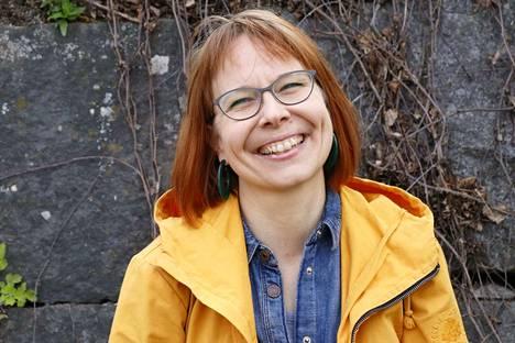 Jenni Joru asuu Lempäälässä Pyhän Birgitan kirkon kupeessa.