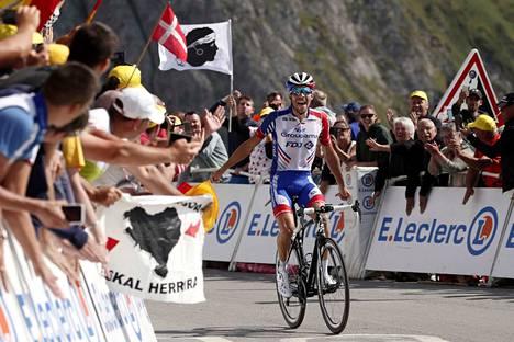 Ranskalainen Thibaut Pinot otti Ranskan ympäriajossa ensimmäisen etappivoittonsa sitten vuoden 2015.