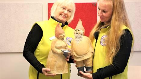LC Kankaanpää Helmen puuhanaiset ovat presidentti Marjo Raukola-Kossin, oikealla,  ja Kirsti-Marja Humalan johdolla organisoimassa marraskuuksi joulumielen keräystä Kankaanpäähän yhteistyössä kauppojen ja seurakunnan diakoniatyön kanssa.