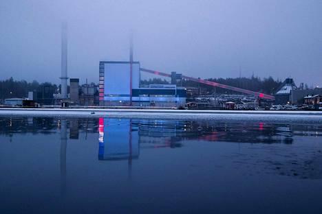 Naistenlahden voimalan peruskorjaus maksaa 160 miljoonaa euroa. Kattilalaitos valmistuu vuoden 2022 loppuun mennessä.