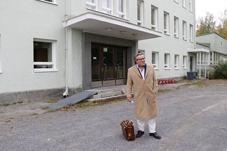 Yrittäjä Rauno Hakala on Kyröskosken Koskilinnan uusi omistaja.