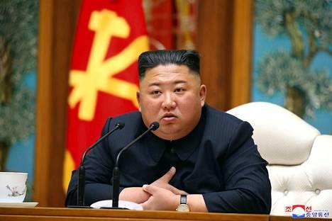 Pohjois-Korean johtaja Kim Jong-un kuvattiin viimeksi 11. huhtikuuta tämän johtaman työväenpuolueen politbyroon kokouksen aikana Pjongjangissa.
