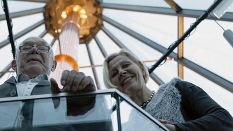Suurimman yksittäisen kustannustuen paikallisista yrityksistä on saanut Luisu Oy, jonka toimitusjohtaja on Kristiina Kylmälahti. Kuvassa myös hänen isänsä, talousneuvos Tauno Mäkelä.