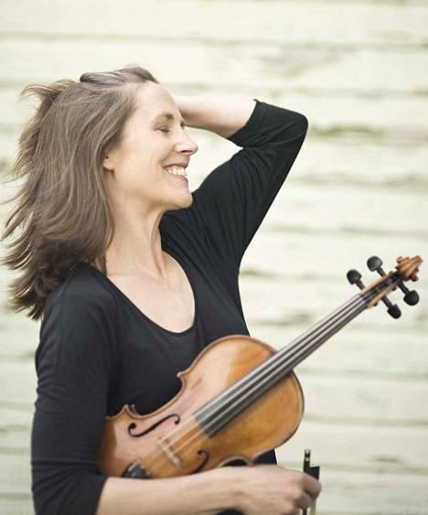 Cecilia Zilliacus esiintyy solistina juhlakonsertissa, jossa esitetään muun muassa Selim Palmgrenin Konserttifantasia viululle ja orkesterille.