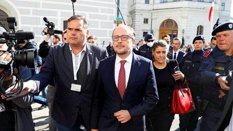 Alexander Schallenberg on nimitetty Itävallan uudeksi liittokansleriksi. Schallenberg kuvattiin Wienissä 11. lokakuuta.