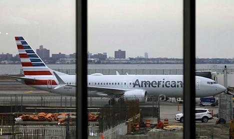 Boeing 737 MAX -konetyyppi asetettiin lentokieltoon ympäri maailmaa sen jälkeen, kun kahdessa maahansyöksyssä oli kuollut yhteensä lähes 350 ihmistä.