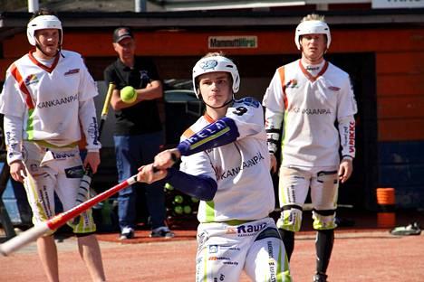 Viime kaudella KaMan B-pojissa pelannut Niko Ehto pelasi lauantaina Mailan yhdeksikössä.