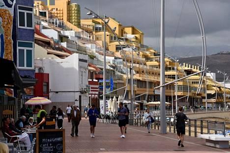 """""""Elpymisessä on luonteenomaista, että baarit täyttyvät ja Gran Canaria kutsuu"""", sanoo Etlan toimitusjohtaja Aki Kangasharju tiedotteessa. Arkistokuva Gran Canarian Las Palmasista."""