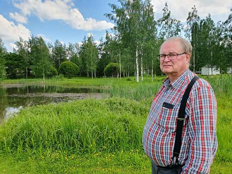 VTT:n eläkkeellä oleva tutkija Pertti Hynnä asuu asuu aivan lammen lähellä ja kuuli pihaansa aamupäivällä uimassa olleiden lasten iloisia ääniä.- Elämä jatkuu, mutta kyllähän nuoren ihmisen kuolema näin traagisesti kotilammella järkyttää.