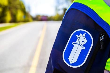 Valkeakoskella sattui kahden henkilöauton kolari tiistaina päivällä. Toista kuljettajaa epäillään törkeästä rattijuopumuksesta ja liikenneturvallisuuden vaarantamisesta.
