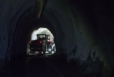 Suomessa on noin kymmenen metallimalmikaivosta. Kuvassa Huittisissa sijaitseva Dragon Miningin Jokisivun kultakaivos.