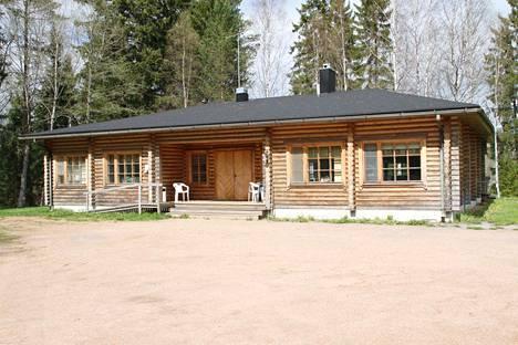 Honkajoen VPK ry ostaa Jyllin leirikeskuksen Honkajoen kunnalta 86000 euron hintaan.