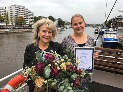 Mirja Kujala palkittiin Naantalin ja Kaisa Suovanen Rymättylän positiivisimpina henkilönä.