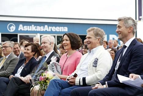 Jenni Haukio on osallistunut useisiin entisen kotikaupunkinsa Porin merkkihetkiin. Viime kesänä hän avasi Porin asuntomessut.