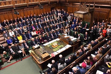 Britannian parlamentin alahuone äänesti lauantaina lykkäyksen brexit-sopimuksen hyväksymiseen