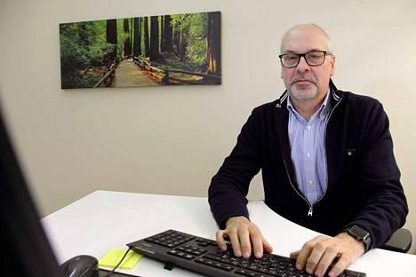 Irtisanoutunut talousjohtaja Ari-Pekka Nurmela kertoo katselevansa uusia mahdollisuuksia, mitään tietoa uudesta työpaikasta ei tähän hätään ole tiedossa.