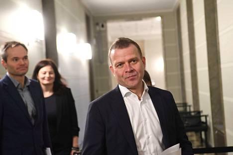 Kokoomuksen puheenjohtaja Petteri Orpo on vaatinut aitoja hallitusneuvotteluja. Puolue ei ole valmis sitoutumaan nykyiseen hallitusohjelmaan sellaisenaan.