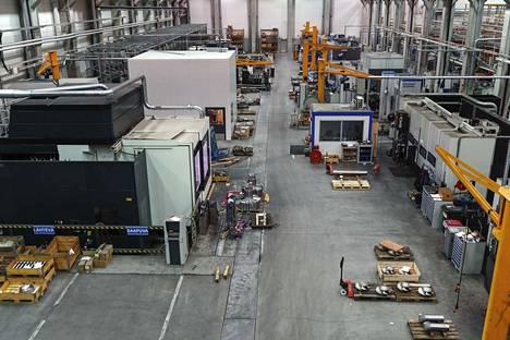 Ata Gearsilla on Tamperella tehtaat Vehmaisissa ja Atalassa. Kuva on Vehmaisten tehtaalta.