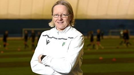 Pauliina Miettinen on naisten liigan toinen naispäävalmentaja.