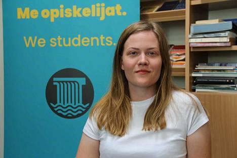 Ylioppilaskunnan puheenjohtaja Paula Sajaniemi tietää, että keskustelua kurssi-informaation puutteista käydään sosiaalisessa mediassa.
