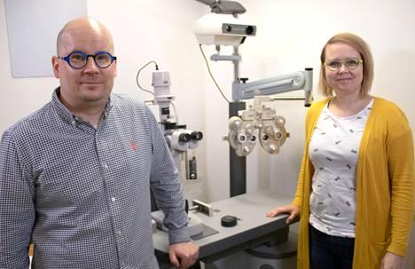 Anna ja Mikko ovat palvelleet jämsäläisiä Optikko Piilan asiakkaita lähes 20 vuotta.