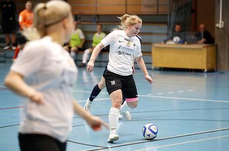 Netta Hannula toivoo MuSan tiedotteessa, että porilaisyleisö löytäisi tiensä Naisten Futsal-liigan peleihin.