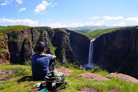 Näin kaunista maisemista Tero Mäkinen nautti Lesothossa vuoden 2017 helmikuussa. Seuraavaksi hän aikoo koluta Suomen päästä päähän. Rinkkaansa hän pakkaa teltan, makuupussin, retkikeittimen ja ruokaa. Mäkisen matkabudjetti on 6000–7000 euroa eli noin tuhat euroa kuussa.