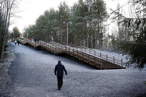 Mestarien portaat Porin Isossamäessä herättävät kiitoksien ohella myös närää tekstaripalstalla.