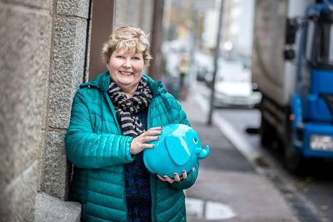 Raili Lilja päätti jo lapsena, että hänestä tulee joko lakimies, poliisi tai kiinteistönvälittäjä. Liljan saa mukaansa elämän tärkeisiin kauppoihin erityisesti Tampereen, Vesilahden ja Lempäälän alueilla.