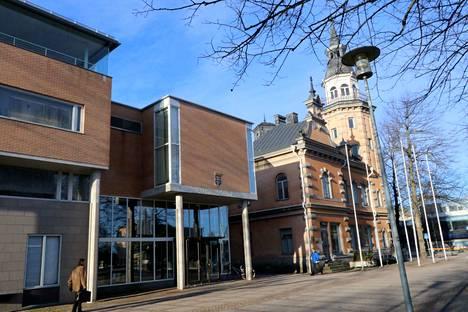 Rauman kaupungin noin 11 miljoonan euron Vahva ja vakaa Rauma -menosäästöohjelman yhdeksi visaisimmaksi asiakohdaksi on noussut henkilöstön kesähuvila Kortelassa.