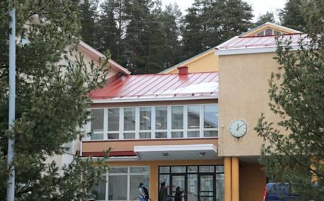Nykyinen Turengin koulu on tarkoitus purkaa sen jälkeen, kun Turengin uuden koulu- ja monitoimikeskuksen ensimmäinen vaihe valmistuu. Näillä näkymin oppilaat kävelevät uuden koulun ovista ensimmäistä kertaa vuoden 2022 syyslukukaudella.