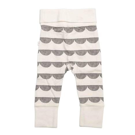 Pikkuruisissa housuissa on neutraali kuviointi.
