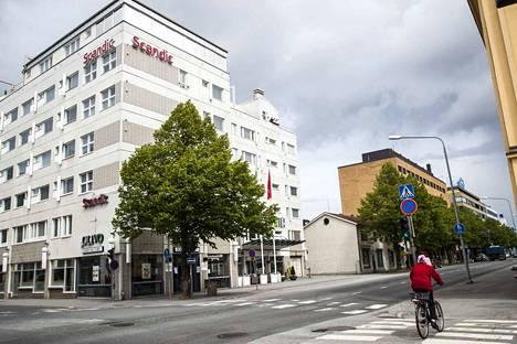 Scandicin sulki keskiviikkona Porissa Itsenäisyydenkadulla sijaitsevan hotellinsa.