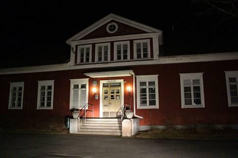 Suodenniemen kirjaston paikka muuttunee, kun uusi monipalvelukeskus valmistuu koulun läheisyyteen.