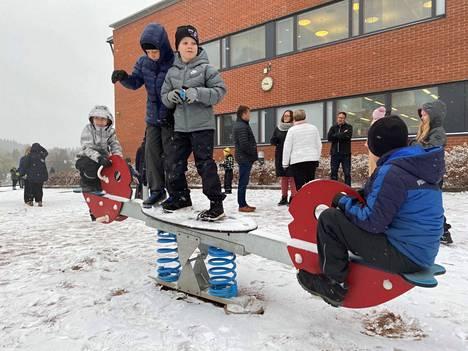 Valittava rehtori tulee johtamaan Jämsänjoen yhtenäiskoulun lisäksi myös Juokslahden ja Kaipolan kouluja.