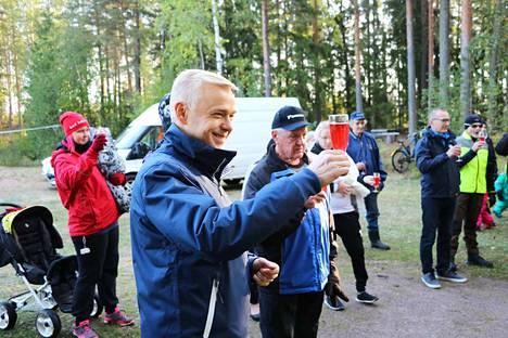Tanttalantien tiejuhlat järjestettiin maanantaiaamuna kyläkoulun pihapiirissä.