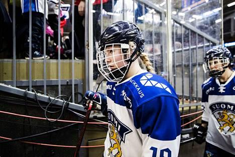 Tampereella kasvanut Petra Nieminen on maajoukkueen vakiopelaaja, josta odotetaan yhtä maailman parhaista hyökkääjistä.