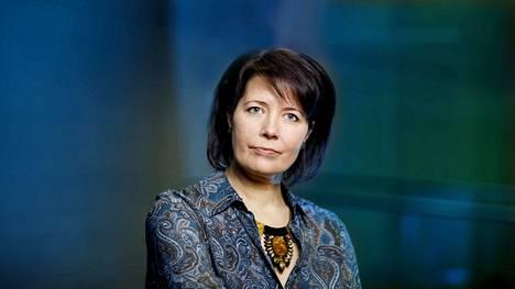 Journalistiliiton puheenjohtaja Hanne Aho muistuttaa, että avoimuuden puute herättää epäluuloja, jonka seurauksena voi alkaa muodostua suljettu yhteiskunta, jossa tieto ei enää liiku.